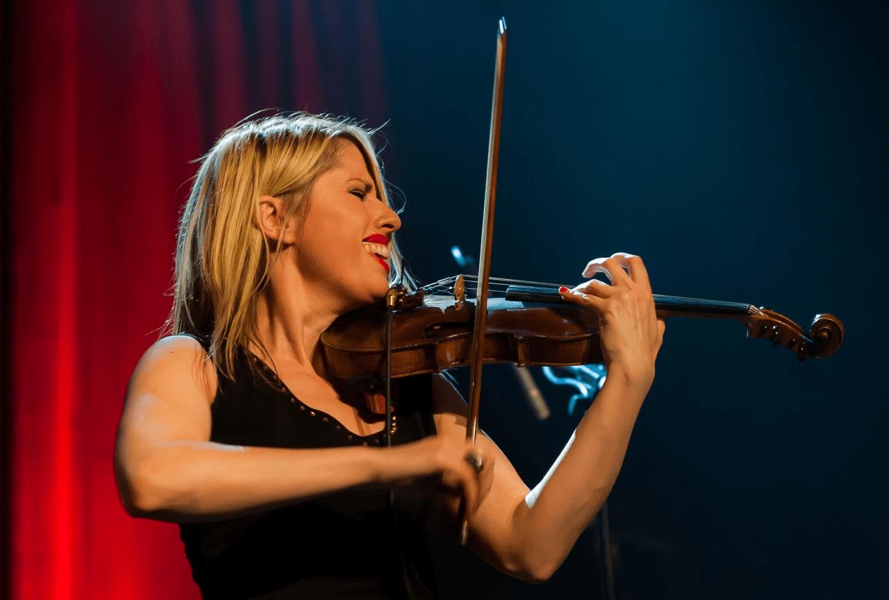Estelle Goldfarb - Violoniste klezmer, jazz, électro et oriental.